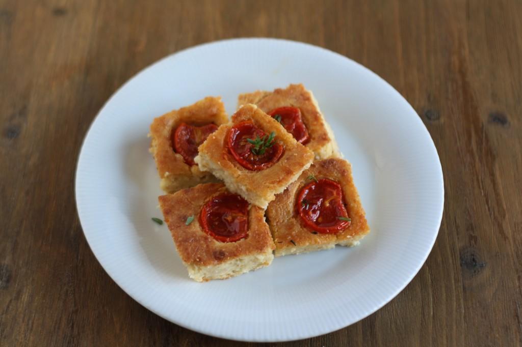 torta di pane e pomodorini