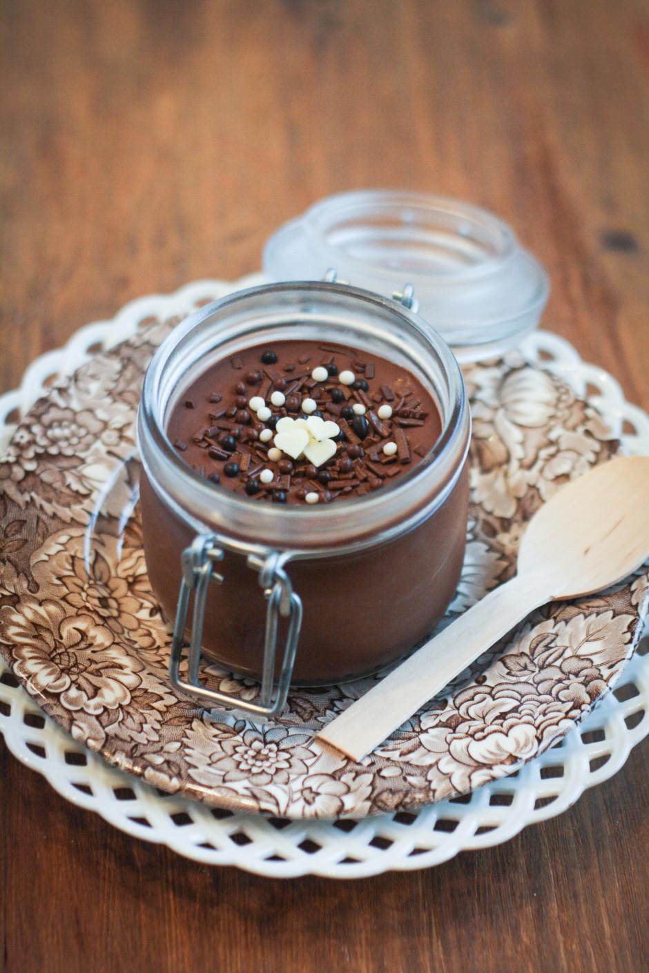 mousse al cioccolato fondente e acqua