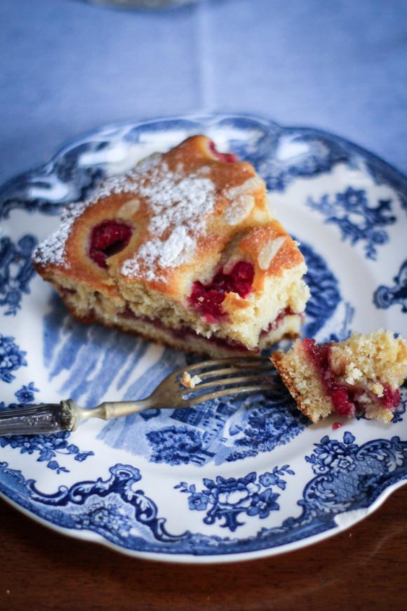 torta-ai-lamponi-e-panna-acida