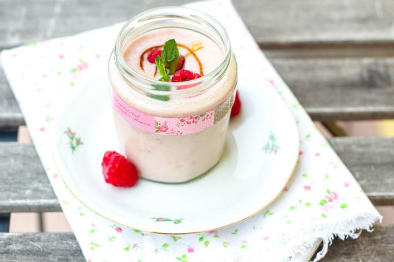 smoothie ai lamponi con latte di cocco