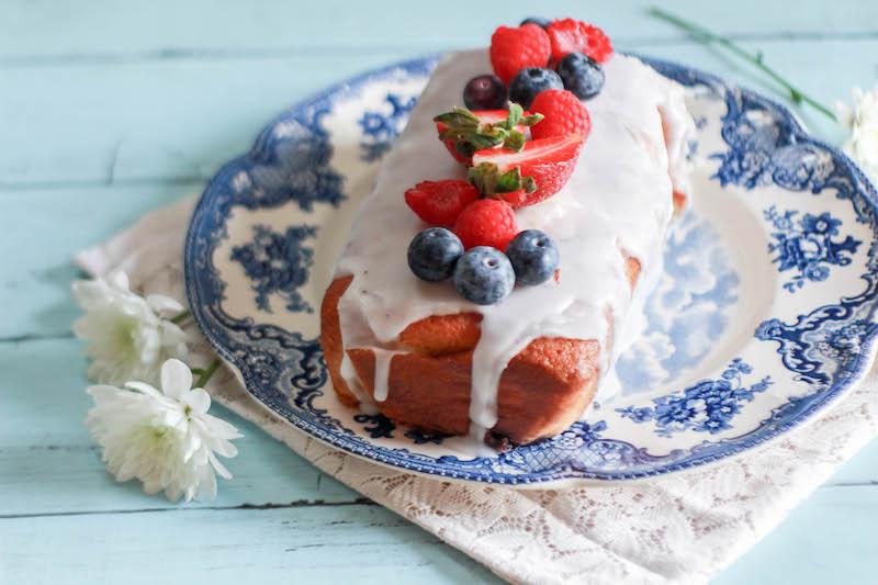 plumcake glassato ai mirtilli