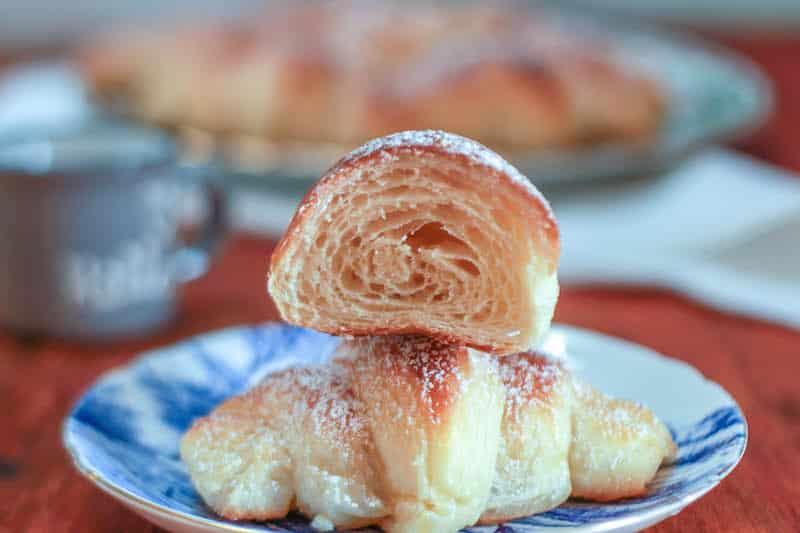 Croissant sfogliati fatti in casa