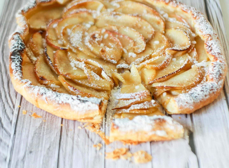 torta di sfoglia alle mele velocissima